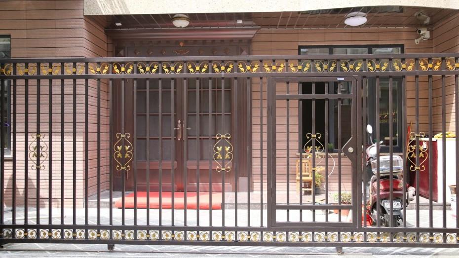 固格澜栅锌钢围墙大门 户外锌钢大门 锌钢单开庭院门