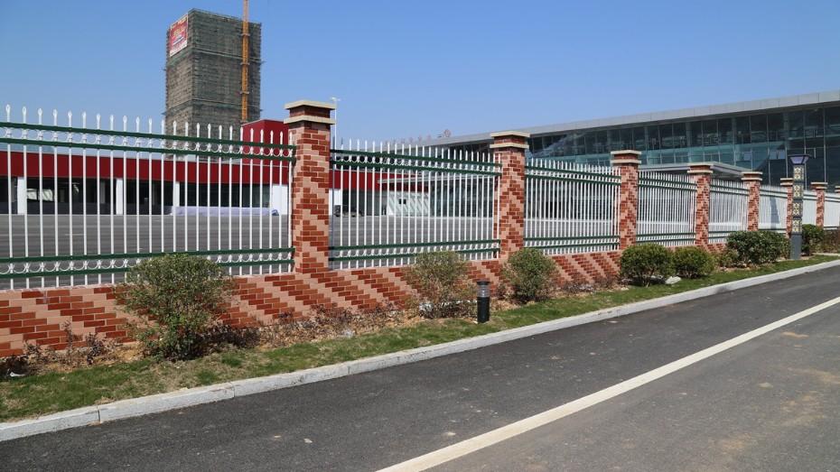 固格澜栅厂区锌钢护栏 庭院别墅锌钢护栏 锌钢护栏厂家直销
