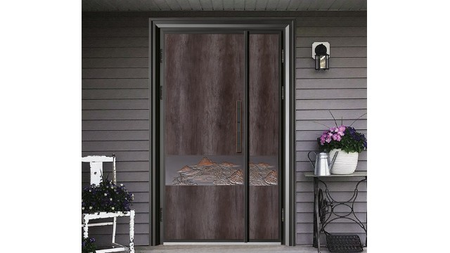 精雕铸铝门与普通铸铝门相比有哪些优势?