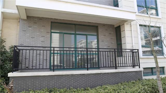 锌钢阳台栏杆安全美观,值得选择
