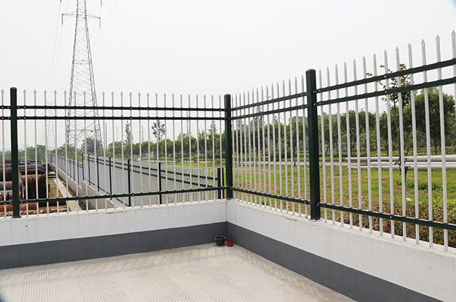 固格澜栅锌钢围墙护栏防腐处理,使用寿命长!