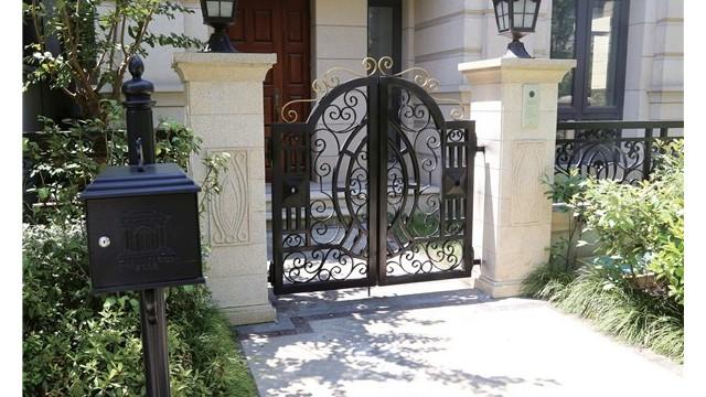 别墅铁艺围墙大门的好坏怎么辨别?