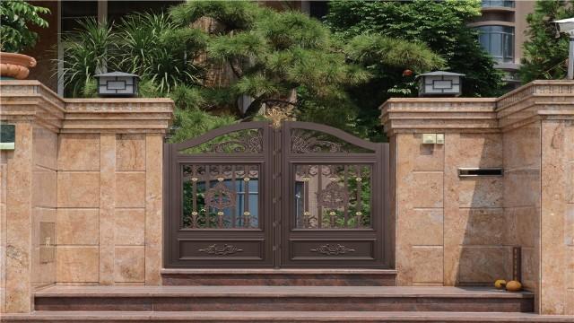 农村自建房别墅选择铝艺大门的好处有哪些?