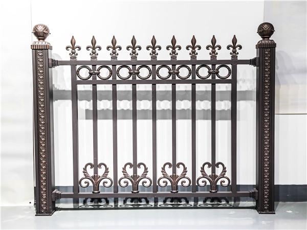 别墅庭院围墙铝艺护栏