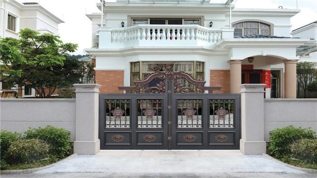 别墅围墙庭院大门那么多品牌,如何选择合适的铝艺围墙别墅大门?