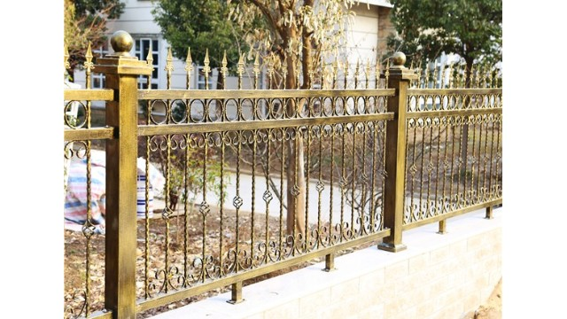 铁艺别墅围墙护栏有怎样的艺术内涵呢?