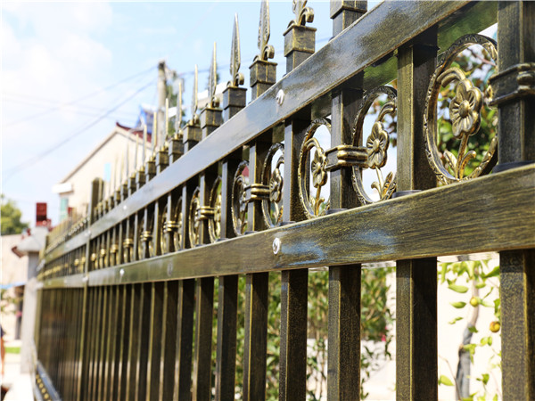 锌钢庭院围墙护栏