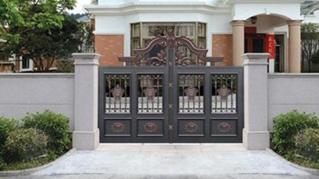 铝艺别墅大门的优点及安全管理小知识