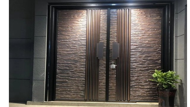 别墅铸铝防爆门对比普通门,它的优点在哪里?