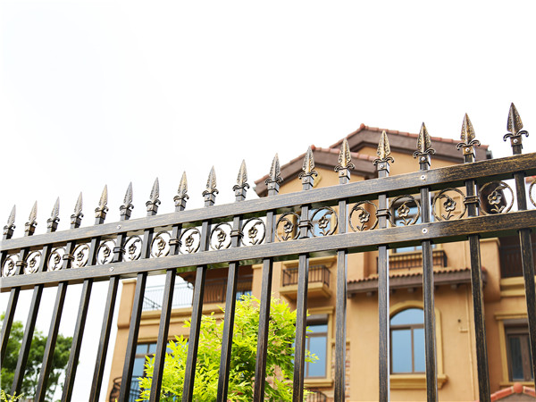 锌钢别墅围墙护栏