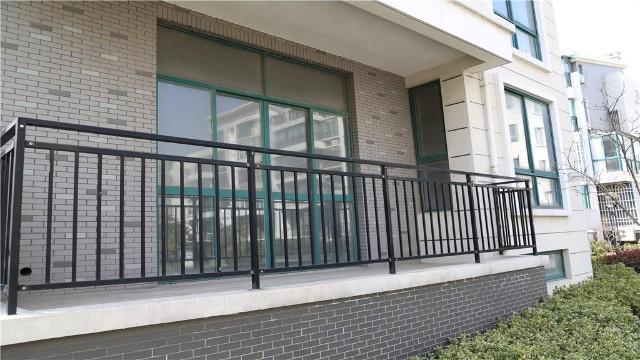 锌钢阳台护栏在生产时需要注意的问题