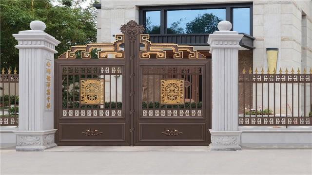 选择自己喜欢的铝艺别墅庭院大门时应该考虑什么?