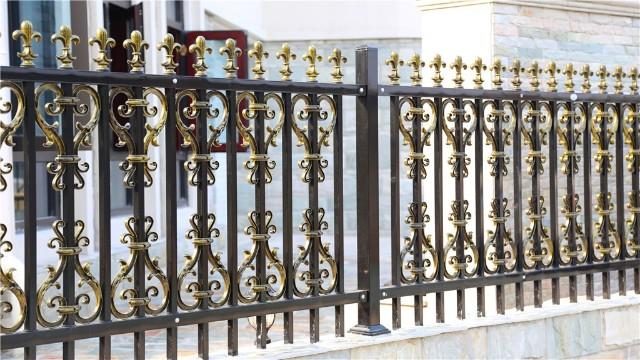 锌钢围墙防护栏杆的喷塑处理,让它质量更好