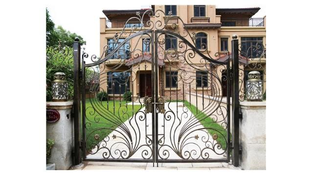 别墅围墙庭院大门应该怎样选择