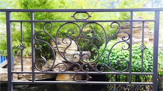 铁艺阳台护栏有哪些特征才是合格的