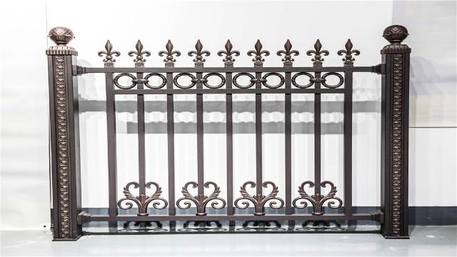与传统材料的护栏比较,铝艺围墙庭院护栏有什么特点呢?