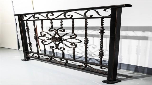 辩别铁艺阳台护栏质量的几种方法
