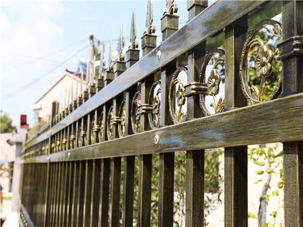 锌钢围墙护栏厂家