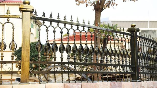 别墅围墙铁护栏的安装流程