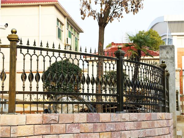 小区铁艺围墙护栏