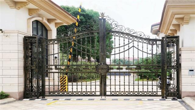 铁艺庭院大门的制作工艺