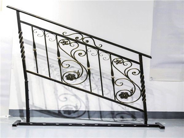 别墅铁艺楼梯扶手