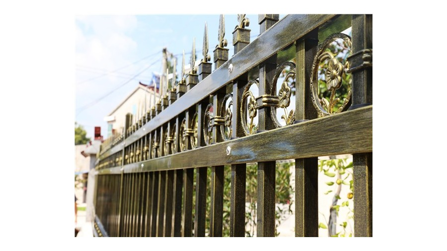 别墅围墙护栏的保养攻略你知道吗?