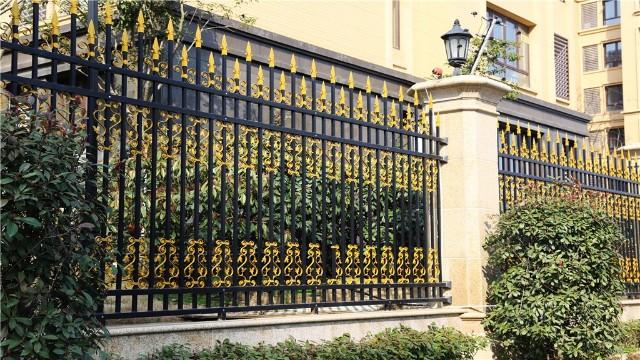 寻找锌钢围墙护栏的配件需要了解哪些?