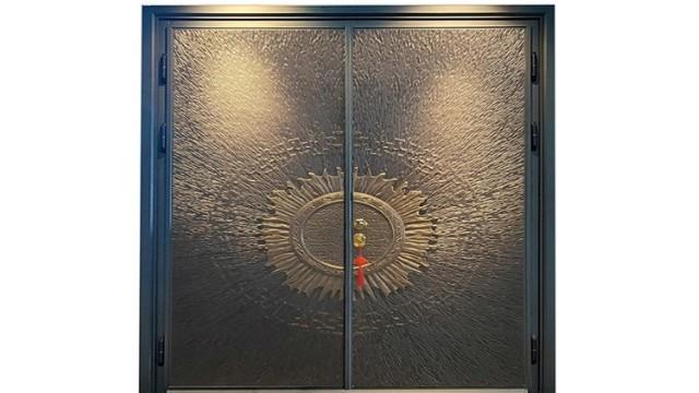 你不知道的别墅铸铝防爆门产品的材质与细节