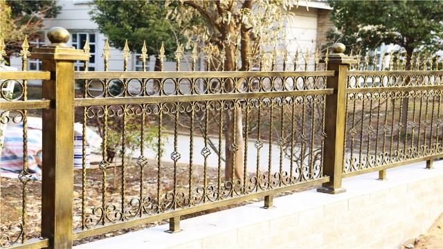 铁艺护栏生锈了怎么办?