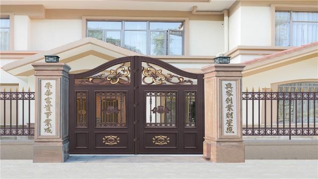 别墅铝艺围墙大门在使用中出现斑迹怎么办?
