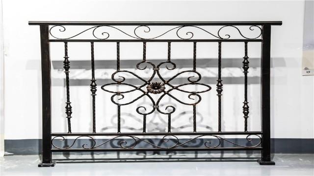 别墅阳台护栏的设计工艺你清楚吗?