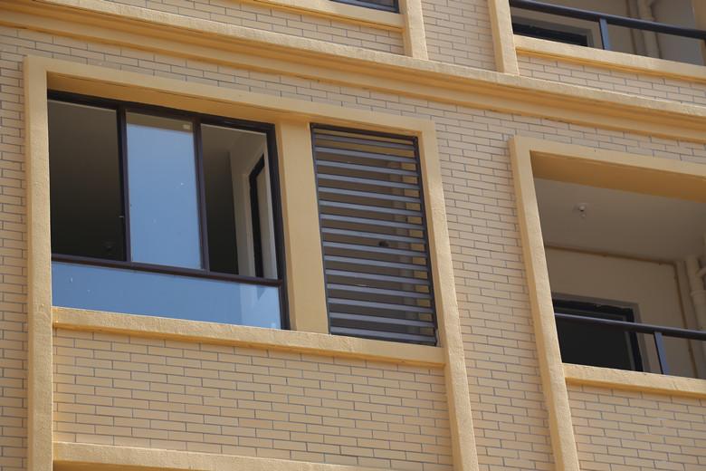锌钢百叶护窗
