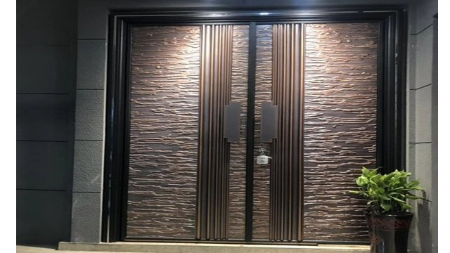 别墅防爆铸铝门的日常保养方法